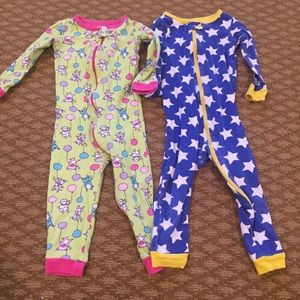 Children's place set of 2 one piece pajamas, 2T